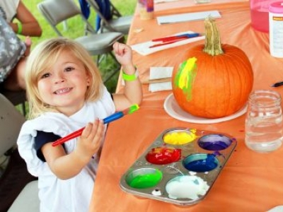 It's Fall, Y'all! October Fall Family Activities