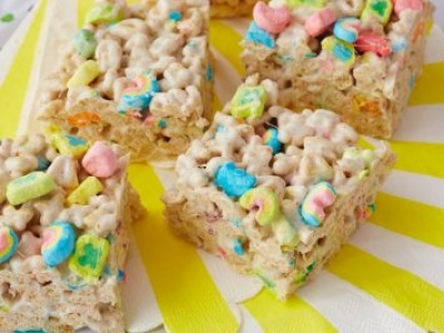 Lucky Charms Marshmallow Bites