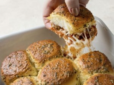 Pull-Apart Garlic Bread Meatball Sandwiches