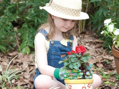 Gardening with Kids: Playing in Dirt isn't Just Fun–It's Healthy, Too!