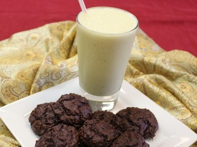 Lump of Coal Cookies & Peppermint Smoothies